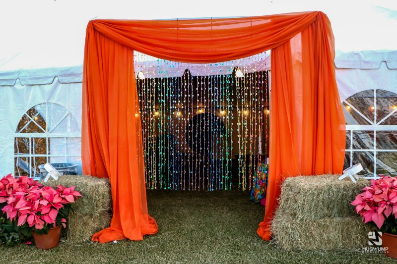 1960s-Themed-Event-Decor