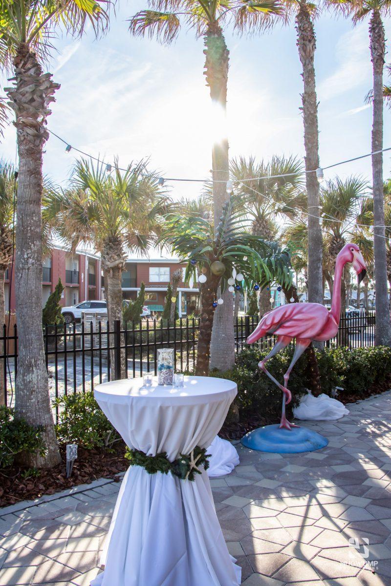 Florida-Holiday-Theme-Decor-15